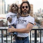 Fotógrafa cria ensaios mostrando semelhança entre seu marido e cachorro