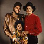 Artista cria montagem de celebridades com fotos do passado e do presente na mesma imagem