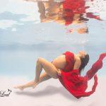 Conheça a magia dos ensaios molhados para gestantes através do trabalho do fotógrafo Renato Leal
